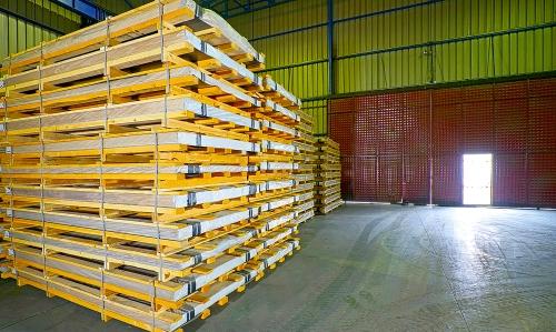 ACE; metal tüccarları, dağıtımcıları ve üreticilerini stok finansman hizmeti ile Türkiye'de destekleyen ilk firmadır.