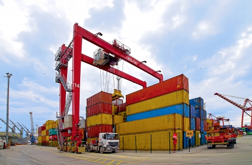 We combine our warehousing and transportation capabilities to aggregate base tonnage and to transport to consumption point in time.